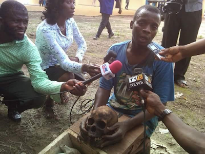 Photo: Police parade pastor apprehended with human skull in Oyo