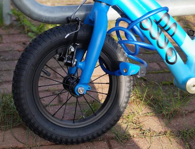 Mit einem sicheren Gefühl unterwegs: Die Fahrradschlösser von Squire. Die farbigen Kabelschlösser von Suire sind flexibel und super für die Fahr- und Laufräder unserer Kinder!