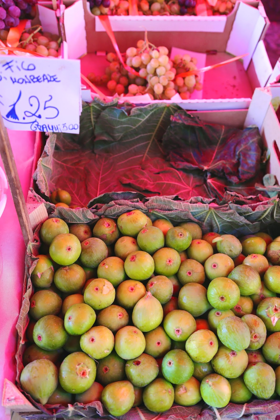 Green figs, Palermo, Sicily