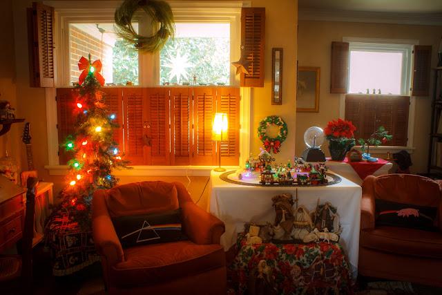 Christmas lego train 2016 via foobella.blogspot.com