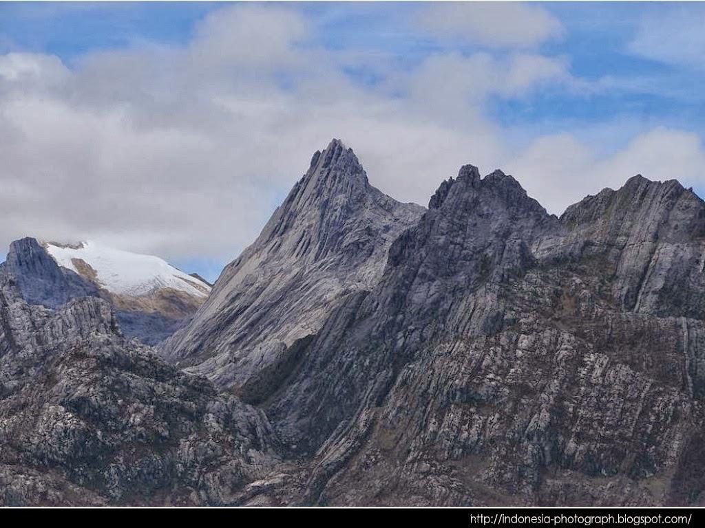 10 Gunung di Indonesia yang harus didaki sebelum kalian pensiun mendaki 10 Mount recommended in