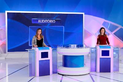 """Patricia Abravanel e Rebeca Abravanel no """"Jogo das 3 Pistas"""" - Crédito: Lourival Ribeiro/SBT"""