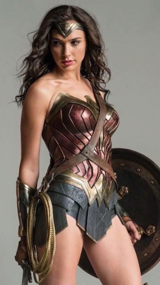 16 Wonder Woman By Hot Toys For Batmanvsuperman  -6505