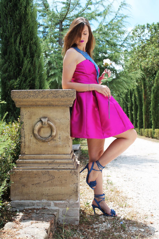 vestito corto rosa con gonna a ruota