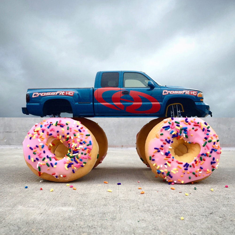 21-Truck-Donuts-Stephen-Mcmennamy-Mash-up-Photographs-with-Combophotos-www-designstack-co