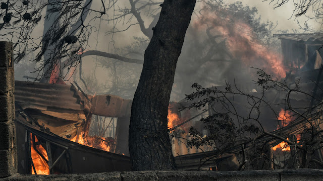 Εθνική τραγωδία: Πάνω από 50 νεκροί ο τραγικός απολογισμός των πυρκαγιών (βίντεο)