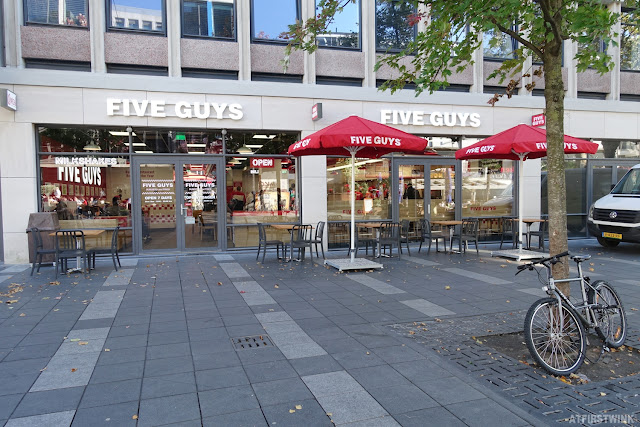 Five Guys Rotterdam city centre stadhuisplein burger and fries restaurant