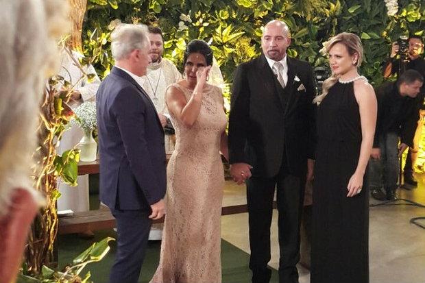 Gretchen  casamento com Carlos vestido da Eliana