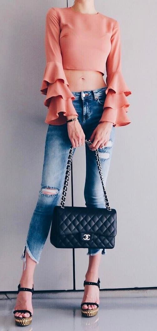 amazing ootd: top + ripped jeans + bag