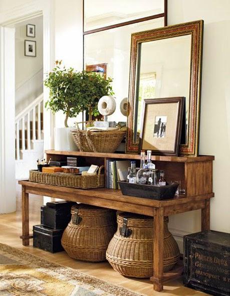 Cestos de mimbre como objeto de decoración del hogar