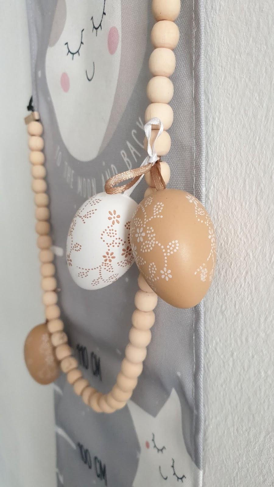 koraliki z drewna i jajka