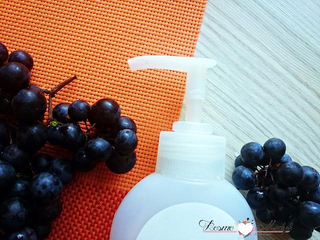 Bilka Bio - nawilżający żel do mycia twarzy Upgrape Bio Certified ( z ekstraktem z winogron ).