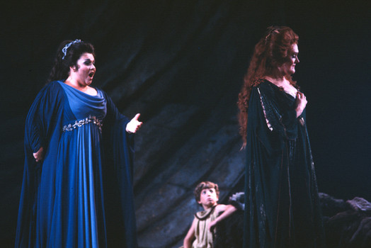 MIRA, O NORMA: Mezzo-soprano MARILYN HORNE as Adalgisa (left) and soprano DAME JOAN SUTHERLAND as Norma (right) in San Francisco Opera's 1982 production of Vincenzo Bellini's NORMA [Photographer not credited; photo © by San Francisco Opera]