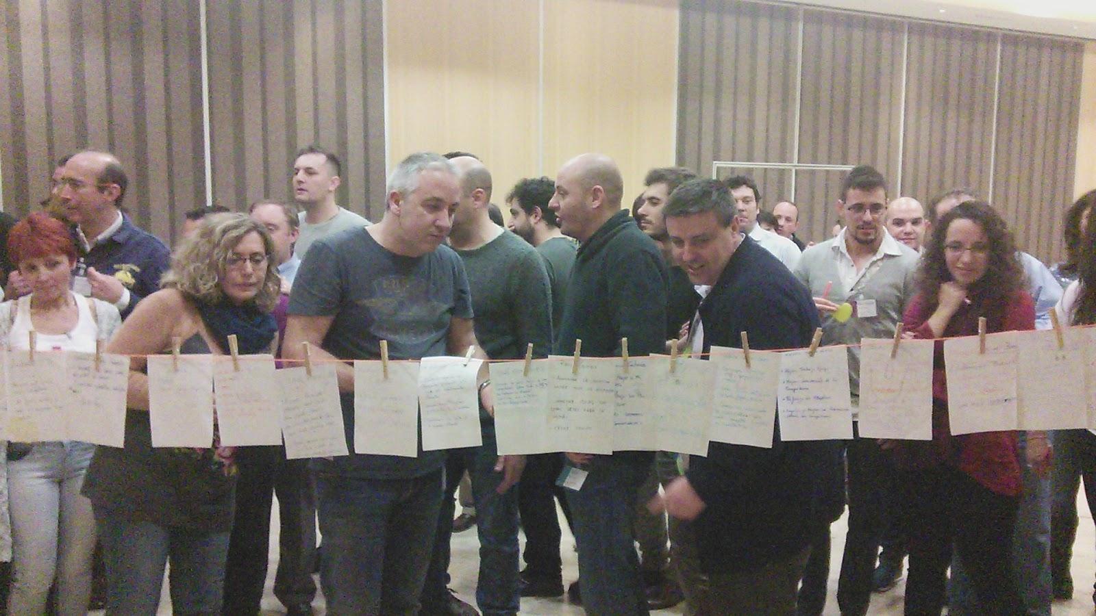 Asistentes al taller desarrollan actividades tejeRedes