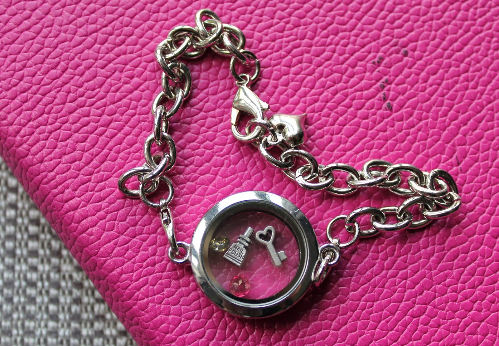 Memory Locket Bracelet - Seasons Online - Jewellery - Charms - Silver Chain