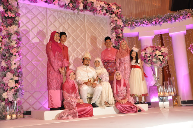 red tudung, bridal entourage, and white Royale Chulan KL