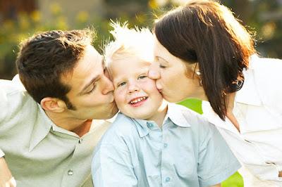Menjadi Orang Tua yang Baik Bagi Si Buah Hati