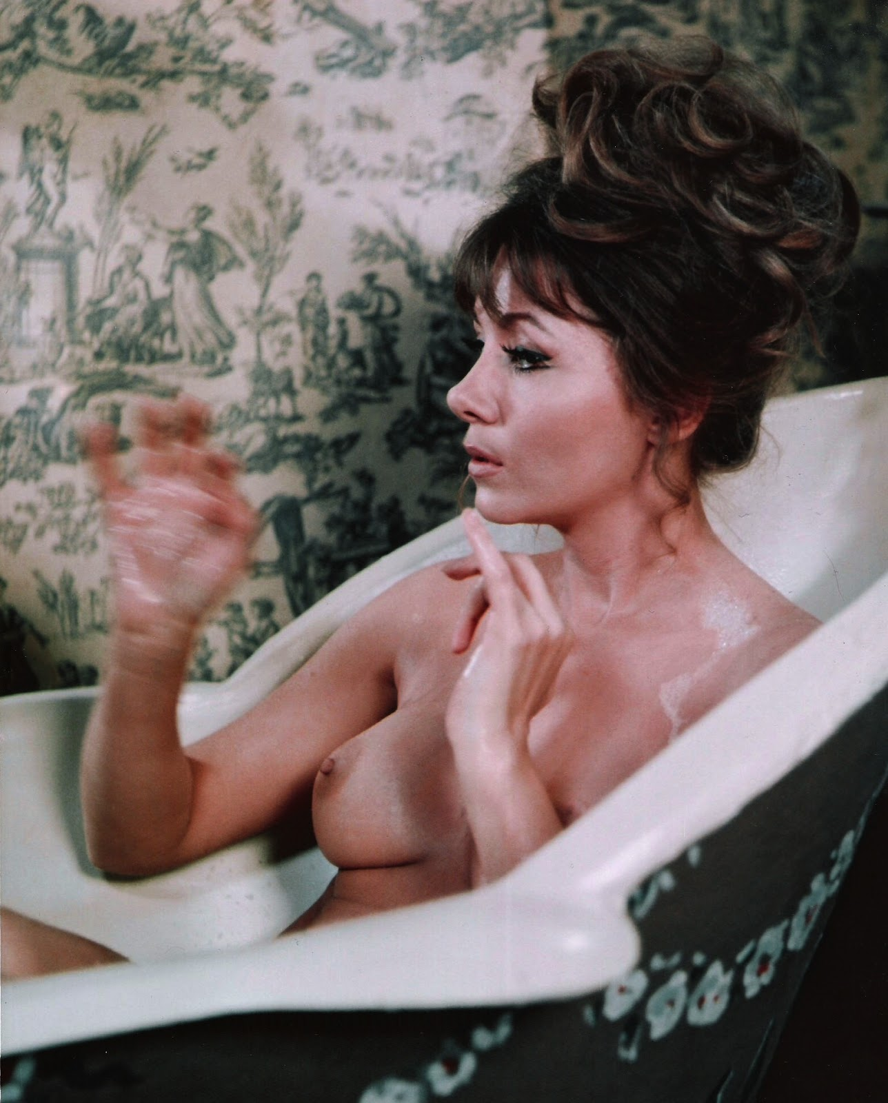 horror movies nude women