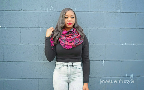 how to wear a scarf, new ways to wear a scarf, creative ways to wear a scarf, how to style a scarf, jewels with style, fall trends, winter trends, high waisted jeans outfit, fall outfits, outfit inspiration, flower scarf, black fashion blogger, Monica Warren,