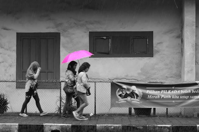 Tidak Semua Ingat Untuk Membawa Payung