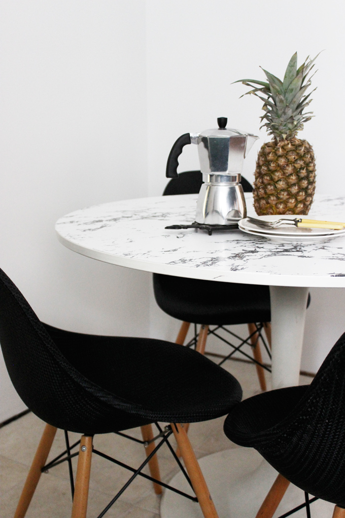 diy faux marble table top poppytalk. Black Bedroom Furniture Sets. Home Design Ideas