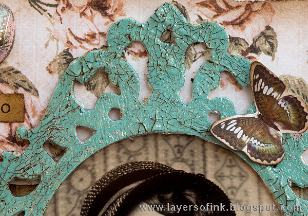 Layers of ink - Layered Vintage Burlap Canvas by Anna-Karin with Tim Holtz Sizzix Ornate Frame
