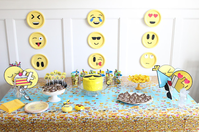 5 year old Birthday, Emoji Party, Theme Party, Tablescape