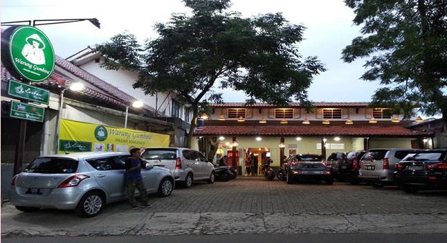 Tapilan luar Warung Gumbira. Restoran murah Bogor