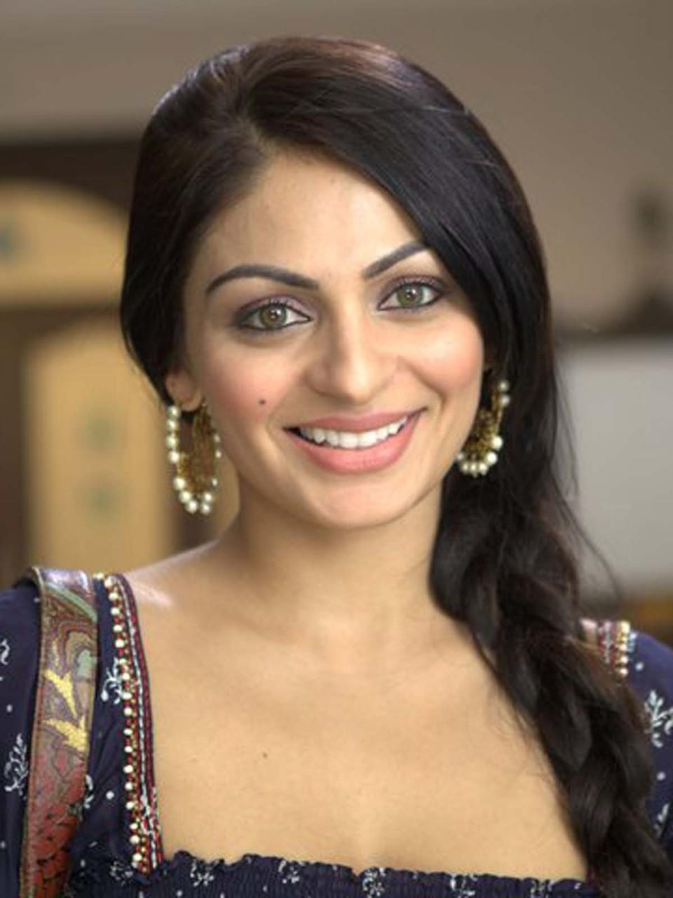 Indian Actress Profiles Neeru Bajwa-5095