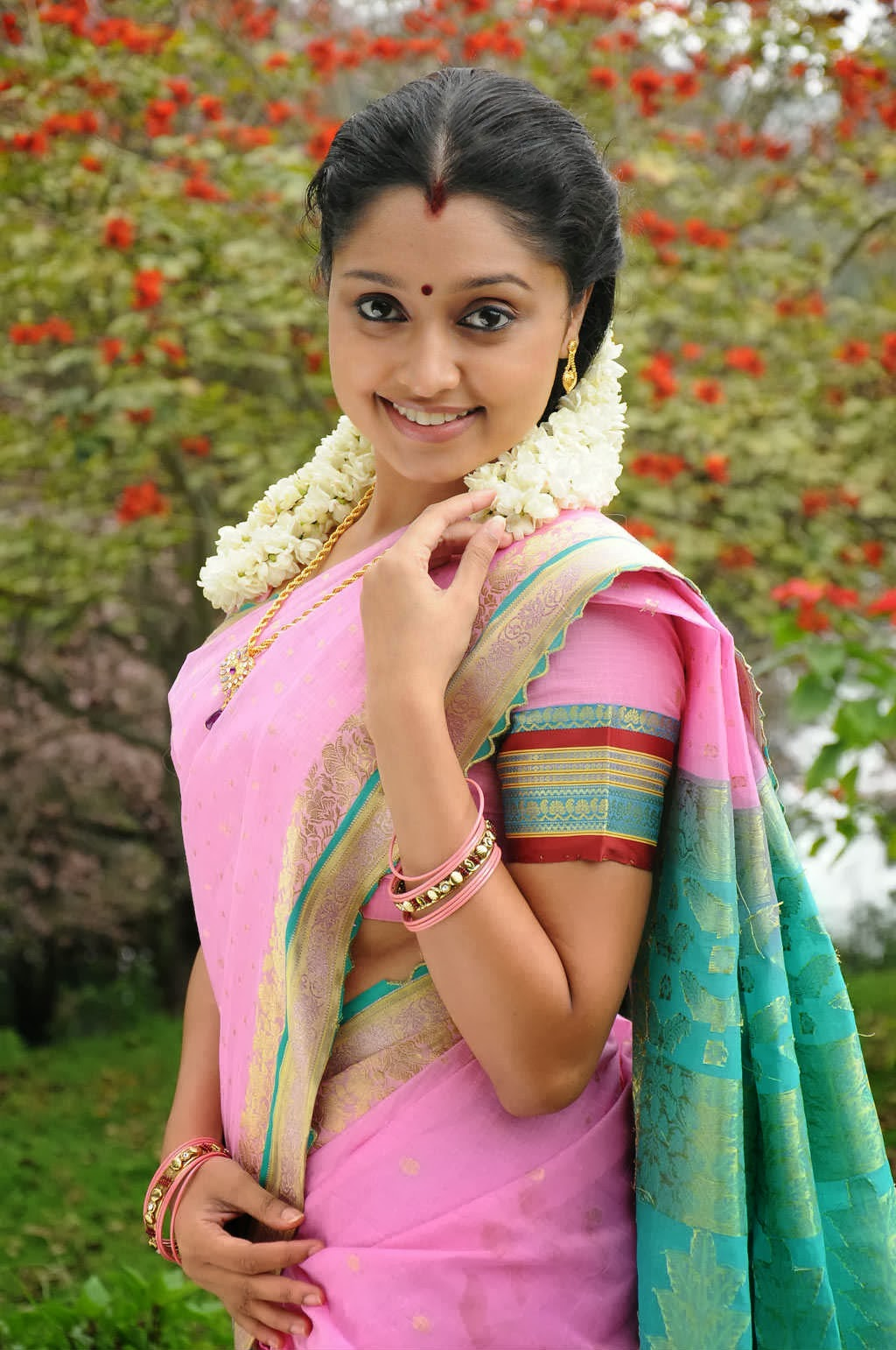 Tamil Actress Sreeja Photostills In Saree