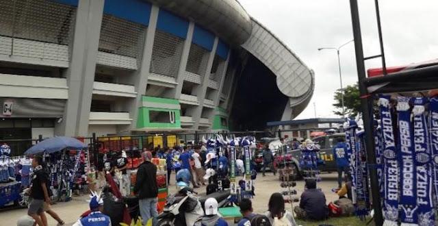 Hal Baru di Piala Presiden 2018: Pengumuman Jumlah Pedagang Sekitar Stadion