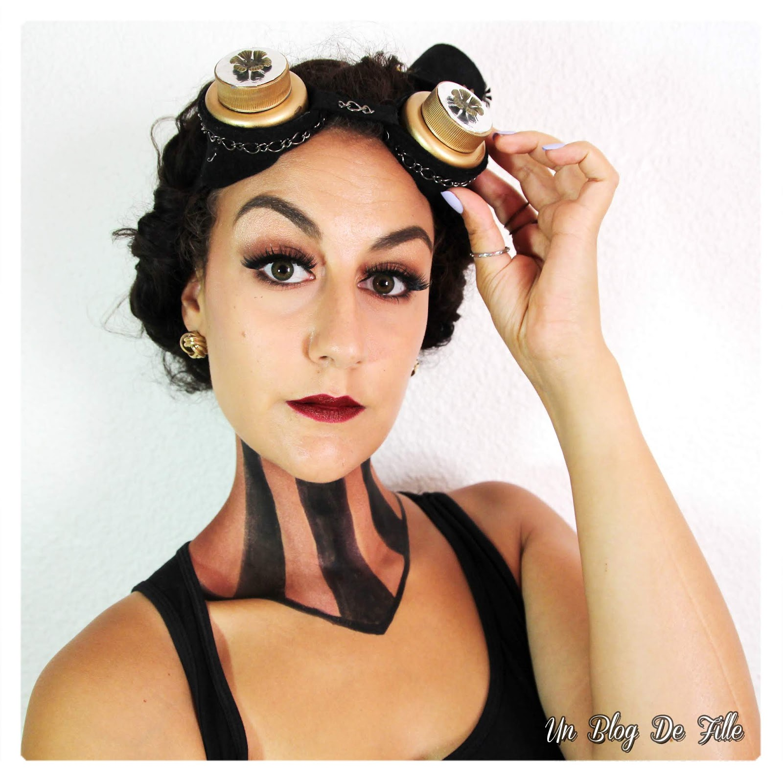 http://www.unblogdefille.fr/2018/09/maquillage-artistique-steampunk-girl-a.html