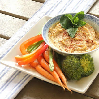 Light Roasted Garlic Spiced Hummus