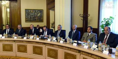 رئيس الوزراء يوجه المحافظين بالتحرك الميدانى وتوفير السلع للمواطنين