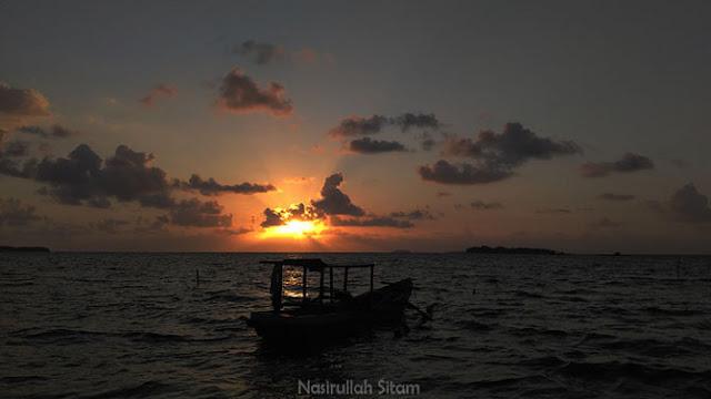 Sunrise Pantai Pohon Cemara Karimunjawa