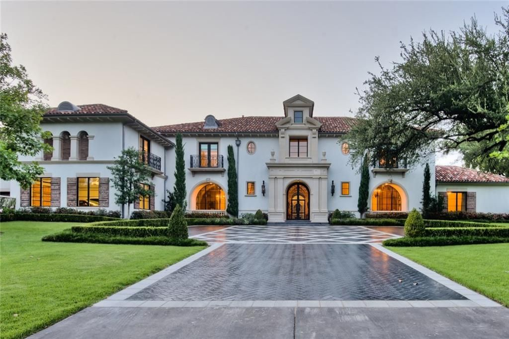 Tour this italian renaissance style mansion in dallas for The house dallas for sale