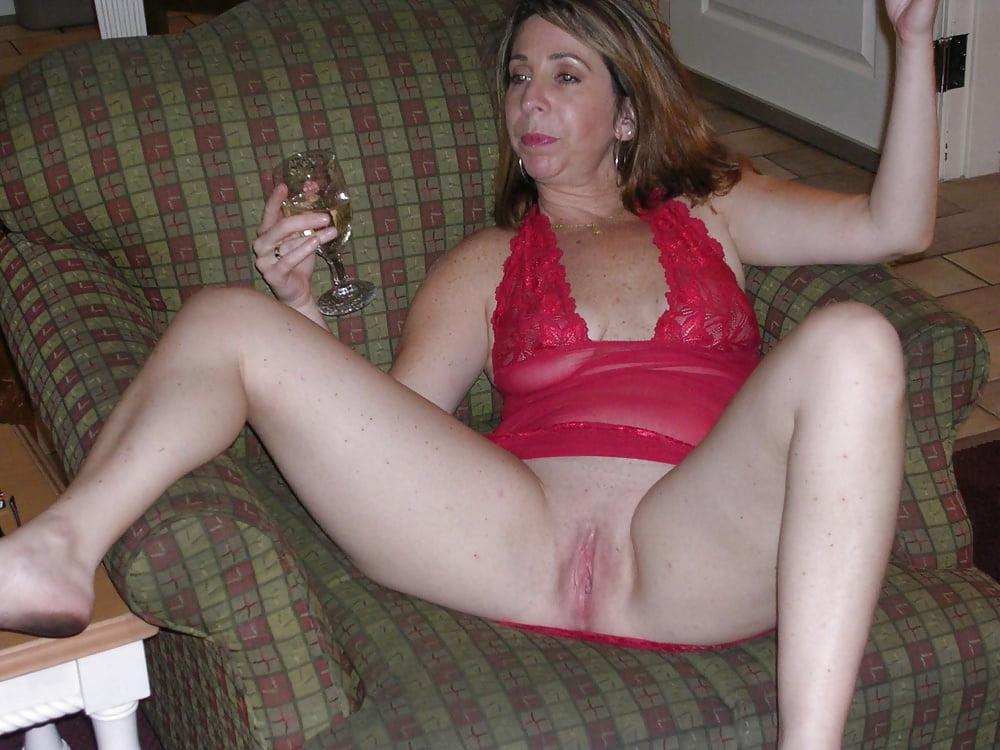 drunk-women-spread-legs-black-women-naked-arse