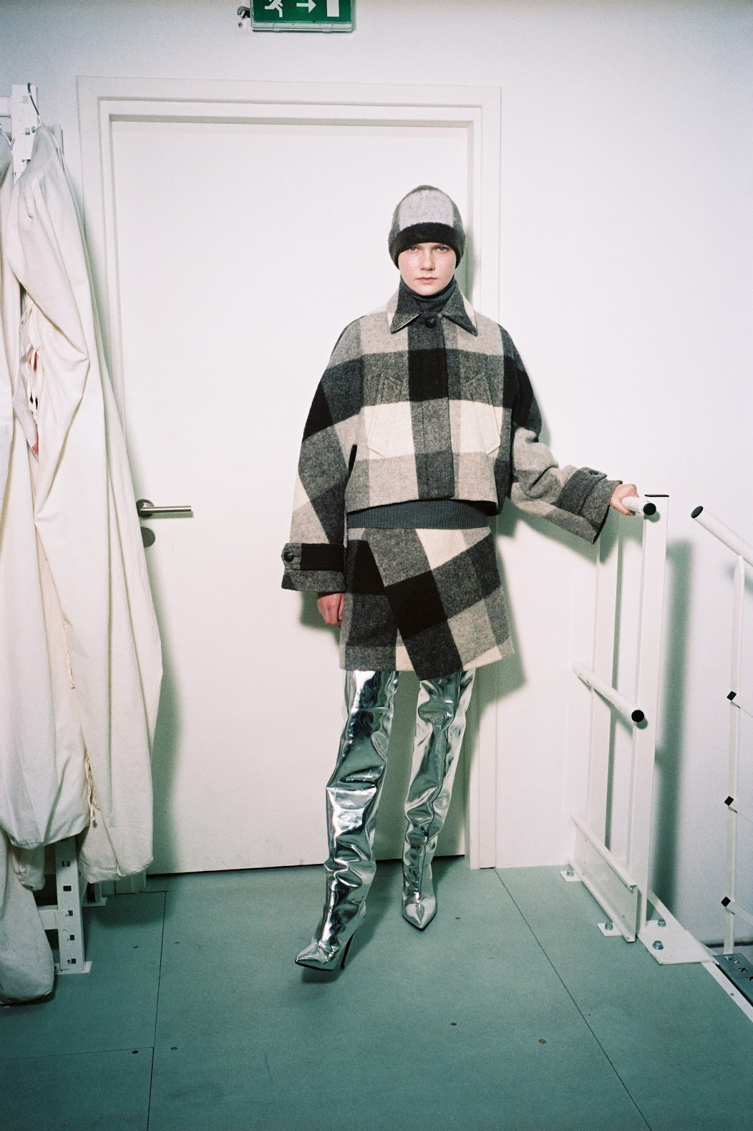 Balenciaga Pre-Fall 2016: Between Gvasalia and Wang