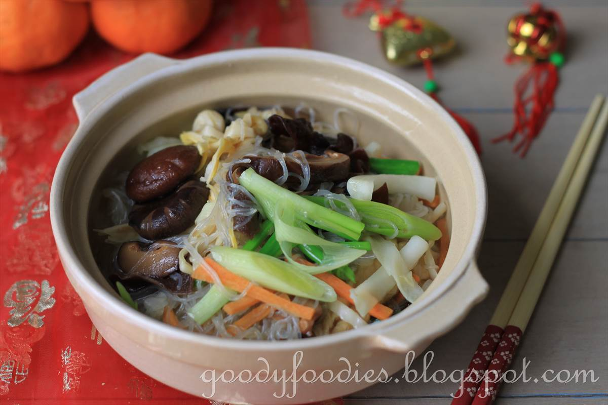 Goodyfoodies 9 great chinese new year vegetarian recipes cny this is a must have vegetarian dish in our home on the first day of cny my mum would make this for us every year without fail while we were growing up and forumfinder Image collections