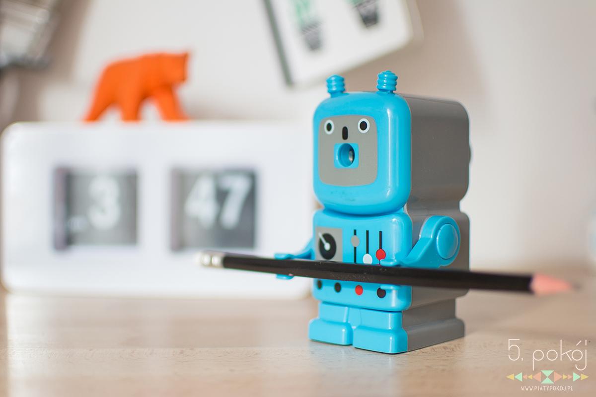 akcesoria do domowego biura - zegar klapkowy