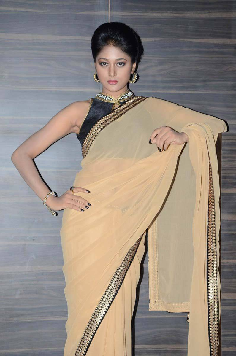 Kollywood Actress Sushma Raj Hip Photos In Yellow Saree At Movie Audio Launch