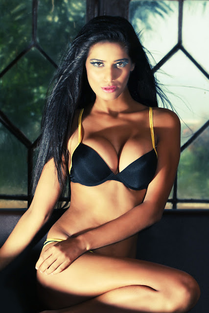 Poonam Pandey Hot Stills