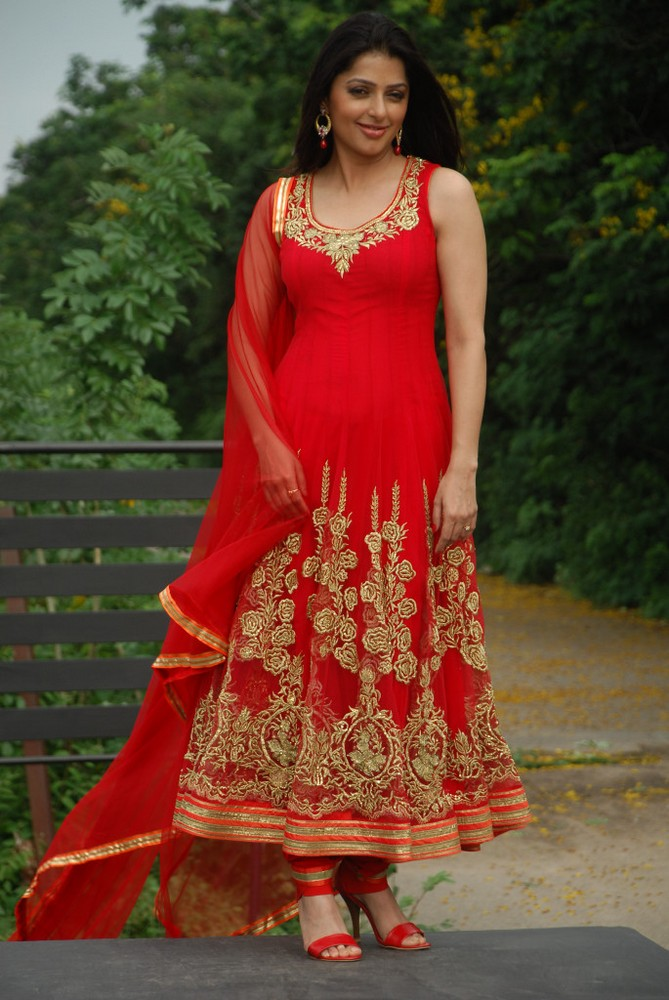 grand and cute Bhoomika latest pics in red designer salwar kameez