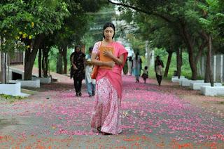payal-ghosh-half-saree