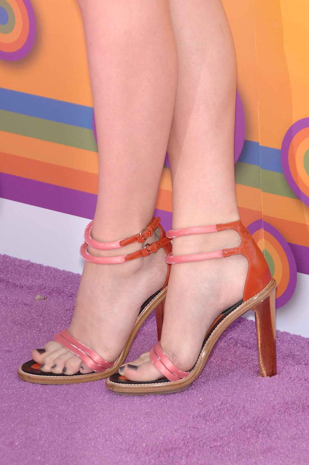 Chloe Grace Moretz - Foot Fetish: Chloe Moretz @ Variety's ...