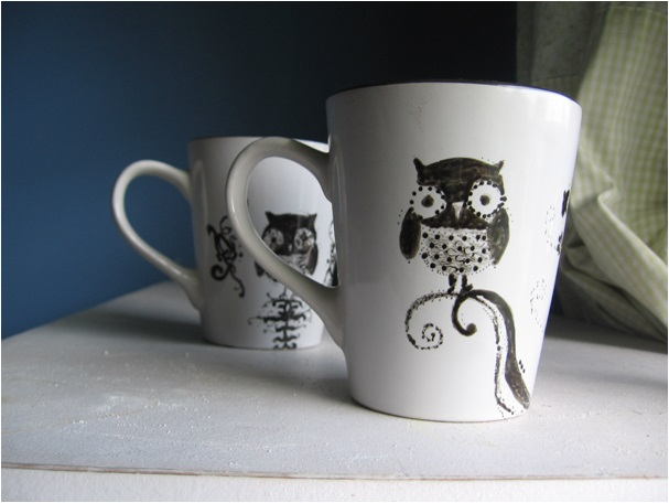 el emeği ile çizilen porselen kupa