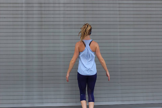 lululemon essential-tank out-run-crop