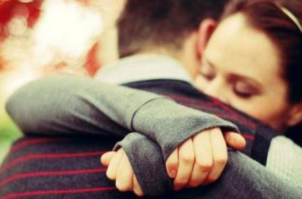 Frases De Amor Y Es Que El Amor No Necesita Ser Entendido