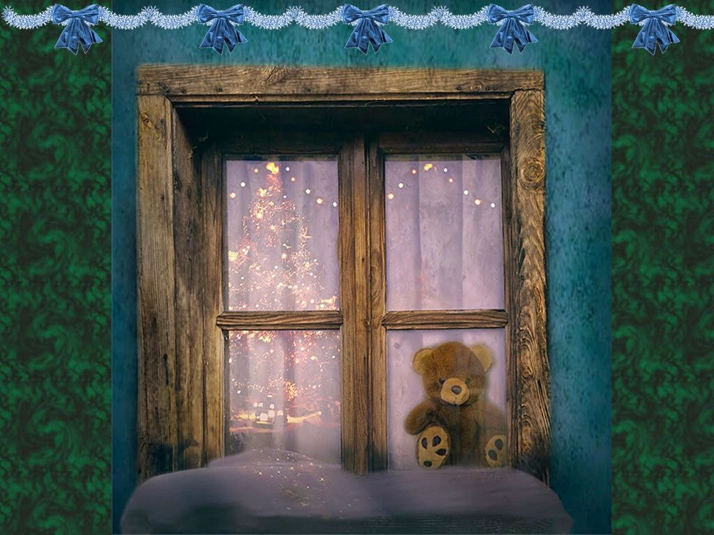 Teddy-bear-on-window-alone-christmas-1024x768.jpg