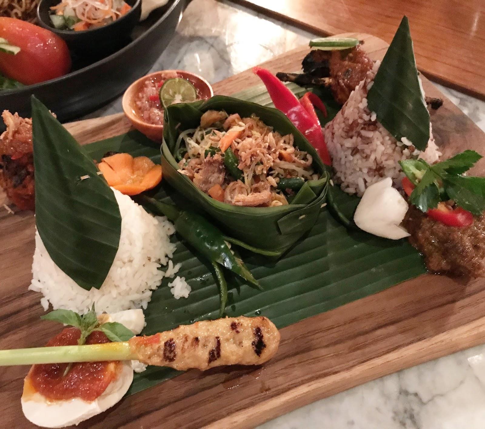 Bali-Indonesia-kayumanis-restaurant